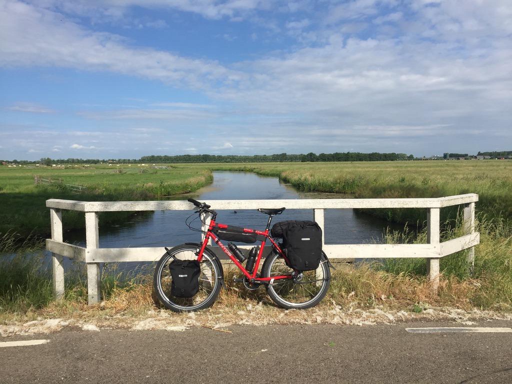 De eerste kilometers van de fietsreis naar Barcelona, even buiten Utrecht