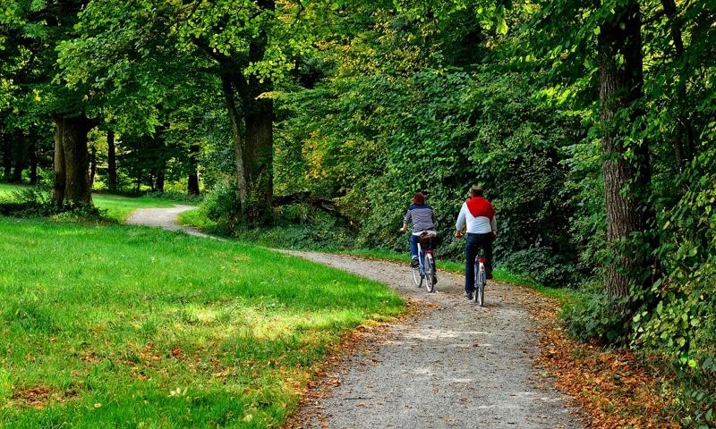 fietsers met een fietsarrangement in Nederland