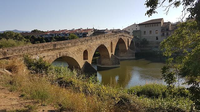 puente de la reina camino