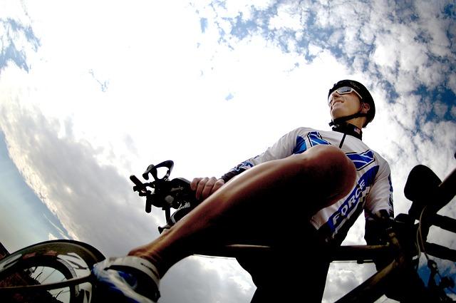 wielrenner met fietsbril