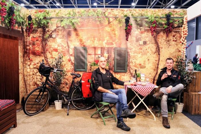 italie stand op de fiets en wandelbeurs