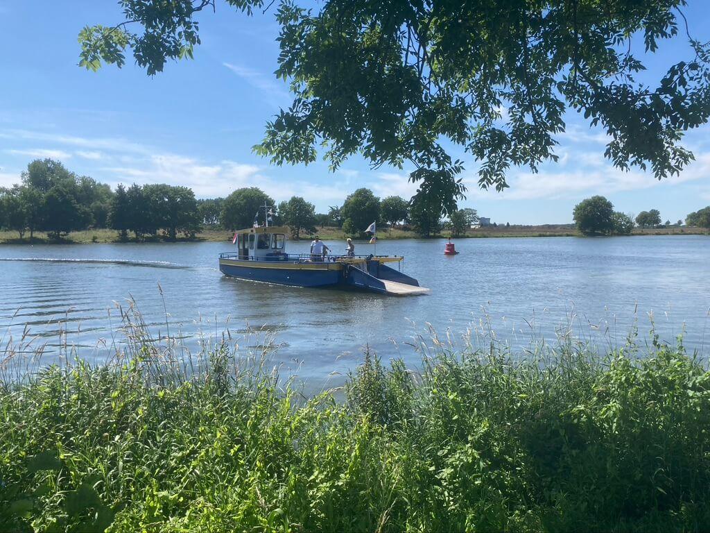 Pontje varen tijdens Rondje Nederland