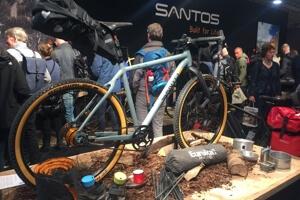 Santos fiets met bepakking