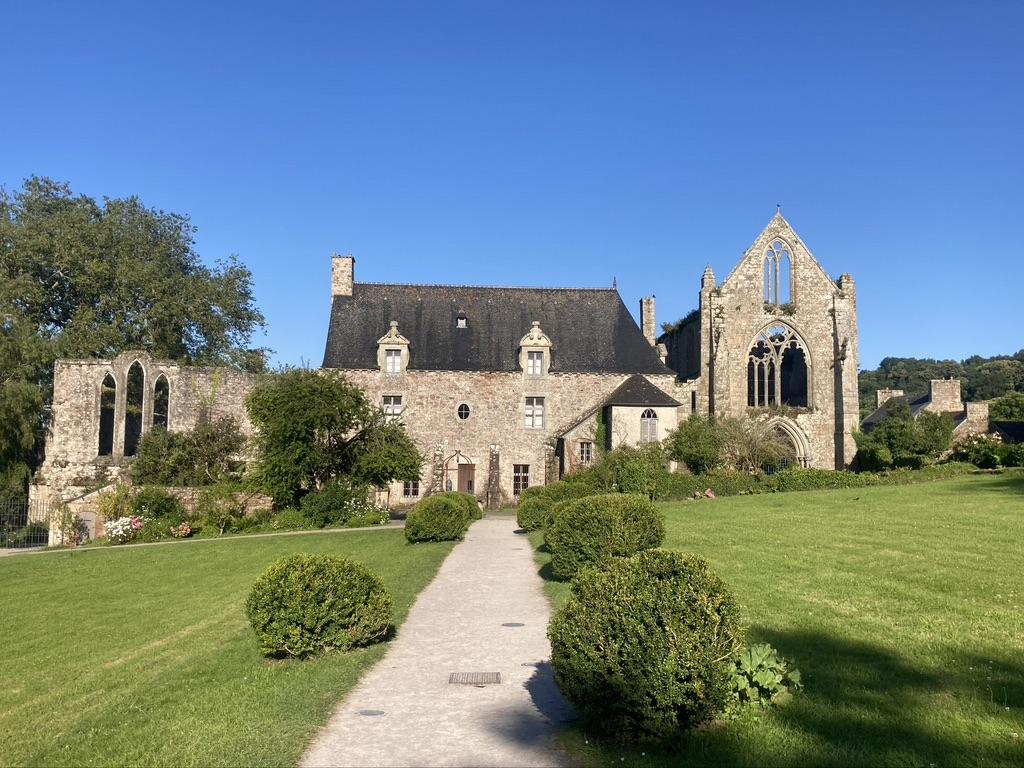 Abbaye de Beauport langs de Vélomaritime