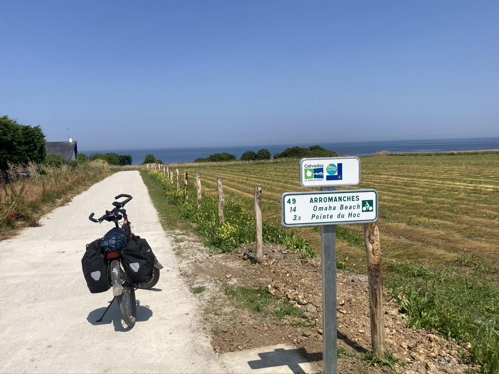 fietspad naar de landingsstranden D-day